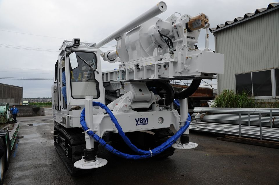 新しいYBM社製の地盤改良機(GI-130)が北陸支店に納車されました。
